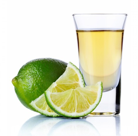 Gold-tequila-shot-with-lime